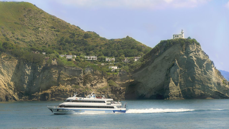Orari traghetti ischia crociere traghetti viaggi for Separa il golfo di napoli da quello di salerno